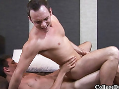 University Dudes - Brandon Rose fucks Devin Adams